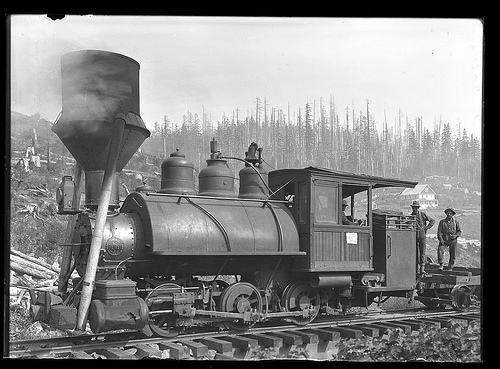Steam Train Engine and Men. Palmer, Oregon. 1910.