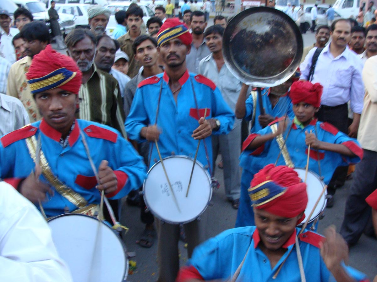 Drummers greet our arrival in Hyderabad